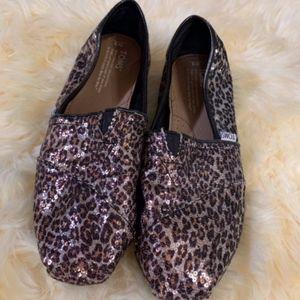 toms slide on size 9 leopard print sequins